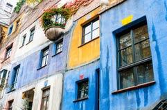 VIENA, AUSTRIA - 18 DE OCTUBRE DE 2015: Hundertwasser Haus en Vienn Imagen de archivo