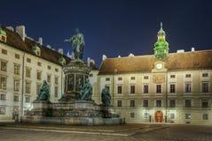 Viena, Austria Patio en Burg del der Monumento a Francisco I fotos de archivo libres de regalías