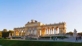 Gloriette Schonbrunn em Viena no por do sol Imagens de Stock Royalty Free