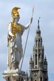 Viena - estatua del Athene de Pallas fotos de archivo