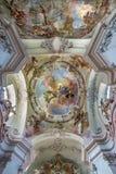 Viena - fresco de la suposición de Maria santa de la cúpula de la iglesia barroca Maria Treu a partir del año 1752 - 1753 de Franz Fotos de archivo