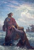 Viena - fresco Drowned Peter e de Jesus na igreja de Altlerchenfelder imagens de stock