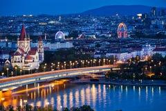 Viena panorámica en la noche Imágenes de archivo libres de regalías