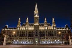 Viena por la noche - Townhall Foto de archivo libre de regalías