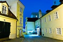 Viena por noche con la reflexión de la lluvia Fotografía de archivo libre de regalías