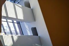 Viena, ?ustria 2 03 2019 Biblioteca da universidade econ?mica Edif?cio moderno para dentro foto de stock royalty free