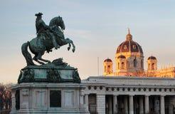 Viena/Wien, Áustria - cavalo e memorial do cavaleiro imagens de stock royalty free
