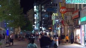 VIENNA, AUSTRIA - 11 AGOSTO 2017 Via pedonale nella sera Fotografia Stock
