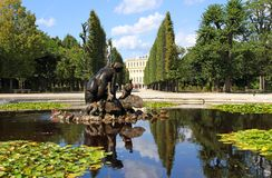 VIENNA, AUSTRIA - August 25 Fountain in Schonbrunn Castle park o Royalty Free Stock Photos