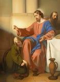 VIENNA, AUSTRIA - 19 DICEMBRE 2016: Il lavaggio di verniciatura di Mary Magdalen di scena di OS i piedi di Gesù in st Laurenz del fotografia stock