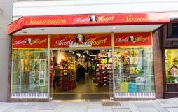 VIENNA, AUSTRIA - 22 marzo 2016: un negozio di ricordo di tema di Mozart Fotografia Stock Libera da Diritti