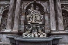 VIENNA, AUSTRIA - 6 OTTOBRE 2016: Statua di Neue Burg, museo Wien di Kunsthistorisches Museo di Art History a Vienna, Austria fotografia stock libera da diritti