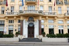 VIENNA, AUSTRIA - 2 SETTEMBRE 2017: Facciata dell'hotel di parco di Shonbrunn, Vienna fotografia stock
