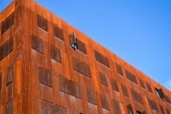 Vienna, Austria Universit? economica 2 03 2019 Architettura insolita moderna La costruzione accademica dagli strati di metallo ar fotografia stock libera da diritti