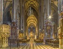 Vienna - dell'interno della cattedrale della st Stephens fotografie stock libere da diritti