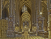 Vienna - dell'interno della cattedrale della st Stephens nel hdr fotografie stock