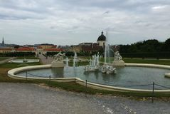 Vienna - il parco al palazzo di Schönbrunn fotografia stock