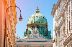 vienna l'austria Palazzo di Michaelertrakt, Alte Hofburg in Wien k Fotografie Stock