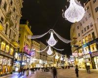 Rue célèbre de Graben à Vienne la nuit Photos stock
