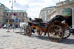 Vienne, Autriche - 15 juillet 2013 : Chariot hippomobile sur la rue à Vienne photo stock