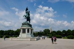 Vienne, Autriche - 15 juillet 2013 : L'archiduc équestre Charles Erzherzog Karl de statue sur des héros ajustent photographie stock