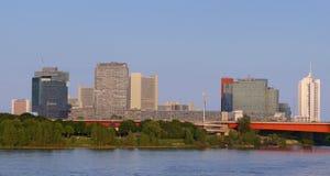Vienne - immeubles de bureaux autour de ville de l'ONU Image libre de droits