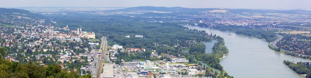 Vienne - Klosterneuburg avec le monastère dans le pays d'été image libre de droits