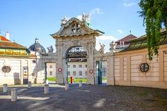 vienne L'entrée au belvédère complexe de palais et de parc images stock