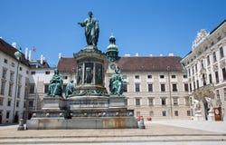 Vienne - monument à l'empereur Franz I de l'Autriche, dans l'Innerer Burghof dans le palac impérial de Hofburg Image libre de droits