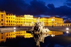 Vienne par nuit, palais de Schonbrunn image stock