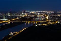 Vienne, vue aérienne la nuit photo libre de droits