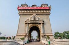 Vientian, Laos 5 de mayo de 2016: Monumento de la victoria de Patuxai en Vientian imagenes de archivo