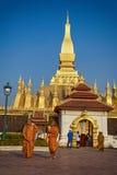 VIENTIANE, LAOS - 19 DE JANEIRO DE 2012: Wat Phra That Luang - landma Fotografia de Stock Royalty Free
