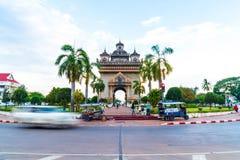 Vientiane Laos - Maj 12 2017: Patuxay monument i Vientiane, L Arkivfoton
