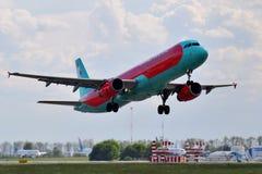 Viento Rose Aviation Airbus A321 Imágenes de archivo libres de regalías