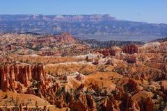 Vientos de la carretera nacional a través de Bryce Canyon Imágenes de archivo libres de regalías