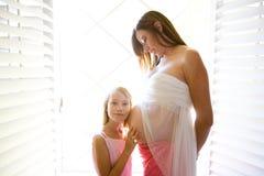 Vientre embarazado Foto de archivo libre de regalías