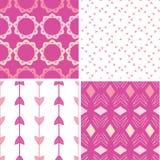 Vier abstrakte geometrische rosa nahtlose Muster eingestellt Lizenzfreie Stockbilder
