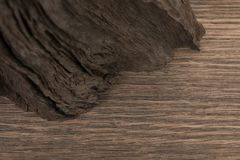Vier alte hölzerne Bretter lokalisiert auf einem weißen Hintergrund Alte hölzerne Planke Stockfotografie