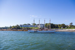 Vier bemasteter Scherer durch Bar-Hafen-Hotel Lizenzfreie Stockbilder