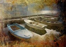 Vier boten in steenhaven op grungeachtergrond Stock Foto