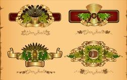 Vier etiketten van de bierluxe op uitstekende achtergrond met hopkorrel Royalty-vrije Stock Foto's