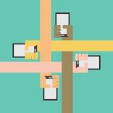 Vier Farbarme mit Smartphone in der Hand einwärts Stockbild