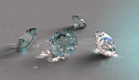 Vier funkelnde Diamanten, Kristalle oder Edelsteine Lizenzfreies Stockfoto