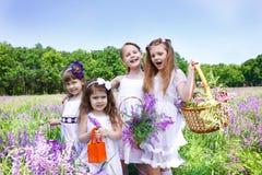 Vier gelukkige meisjes royalty-vrije stock fotografie