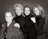 Vier generaties van vrouwen in een familie Royalty-vrije Stock Afbeeldingen