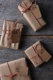 Vier Geschenke mit nummerierten Tags Stockbild