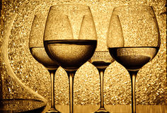 Vier Gläser weißer Wein Stockfotografie