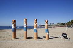 Vier ikonenhafte Leibwächterschiffspoller auf der Schiffspollerspur Stockbilder