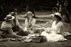 Vier jonge dames van ` Belle Epoque ` Royalty-vrije Stock Foto's